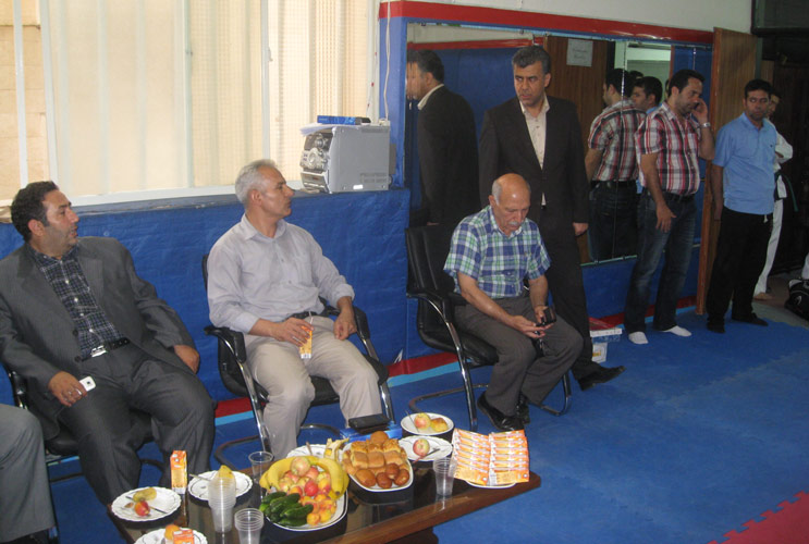 جلسه حضور اساتید در باشگاه آراباکس